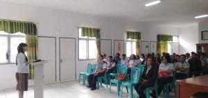 Pdt Ny Eva Lontoh-Liey STh memimpin Ibadah Syukur menempati kantor baru