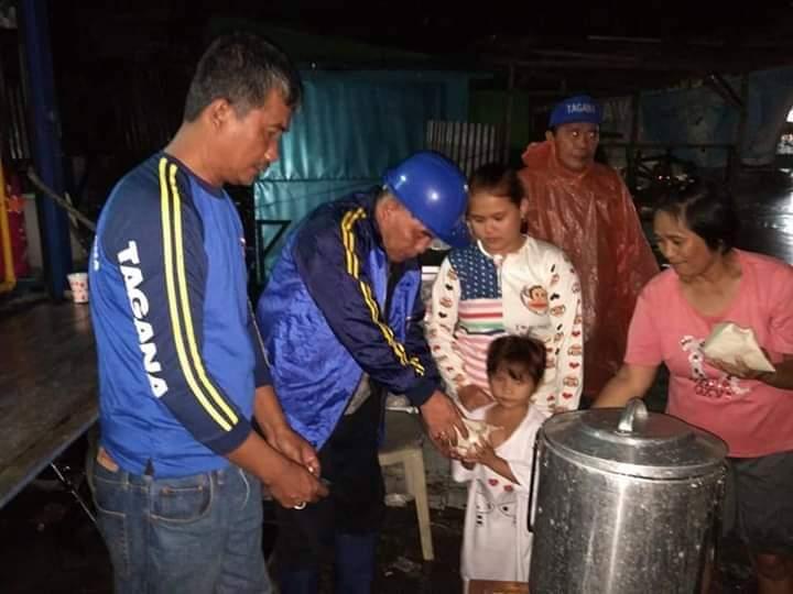 Bantu Korban Banjir, Pemkot Manado Buka Dapur Umum di Perempatan Banjer