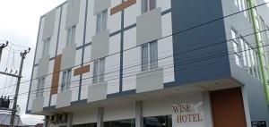 Wise Hotel Tomohon
