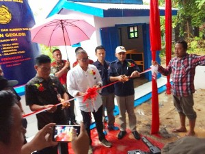 Sudah 15 Unit di Sulut, Kementerian ESDM Serahkan Bantuan Sumur Bor di Tateli Weru