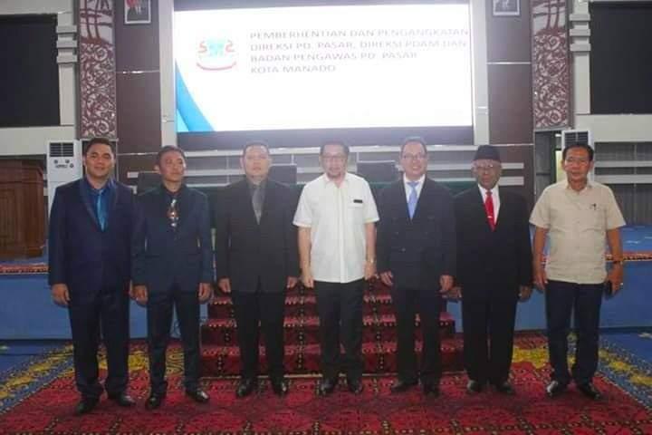 PD Pasar Manado , direksi PD Pasar Manado, Stenly Suwuh, Oke Sumual, gaji Karyawan PD Pasar Manado