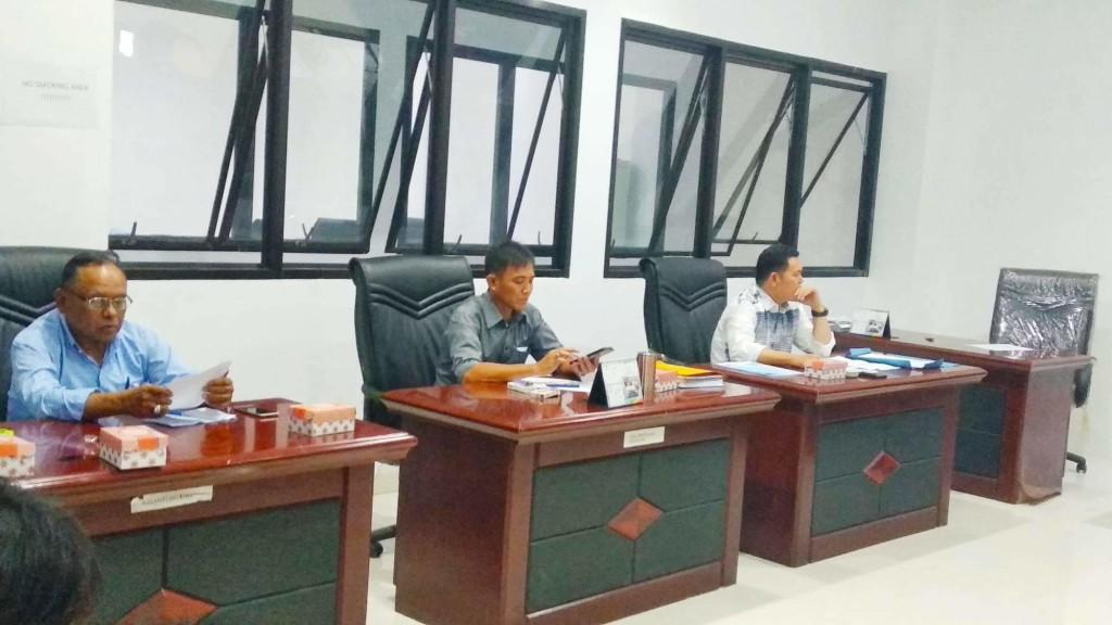 Komisi B DPRD manado, PD pasar manado,  Stenly Suwuh,  Oke Jootje Sumual