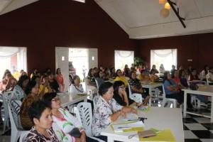 Lansia dan Kader Kesehatan peserta kegiatan