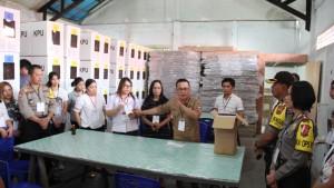 Ketua KPU Tomohon Drs Harryanto Lasut MAP memberikan penjelasan