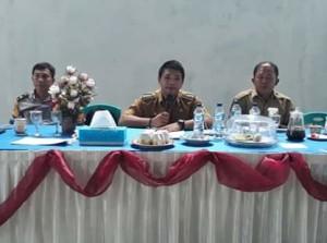 Kecamatan Kumelembuai , Michael Kamang Waworuntu SSTP,