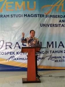 Temu Alumni, Lomban Paparkan Prospek Kota Bitung Tahun 2025