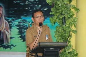 Asisten Kesejahteraan Rakyat Drs Octavianus DS Mandagi