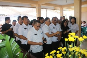 Jajaran Pemkot Tomohon Ibadah Penghiburan atas meninggalnya Ibunda Wakil Wali Kota Syerly Adelyn Sompotan