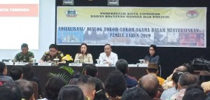 Ketua DPRD Tomohon Ir Miky JL Wenur MAP memberikan materi