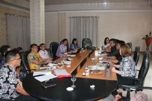 Rapat pembahasan Pansus Pengelolaan Pemakaman dan Pengabuan DPRD Tomohon