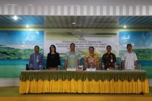 Wali Kota Tomohon Jimmy F Eman bersama Forkopimda