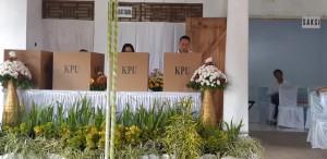Wali Kota Tomohon Nyoblos di TPS I Paslaten Satu