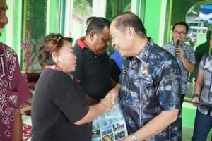 Walikota Bitung Serahkan Sertifikat Tanah Masjid Al-Ikhwan