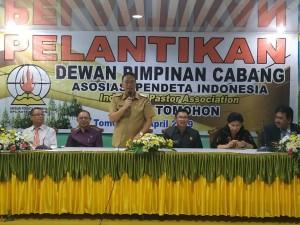 Wali Kota Tomohon Jimmy F Eman SE Ak CA memberikan sambutan