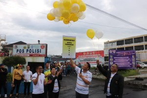 Wali kota melepas balon tanda dimulainya rangkaian kegatan Hardiknas 2019