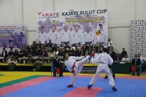 Salah satu pertandingan di Karate Kajati Sulut Cup  2019
