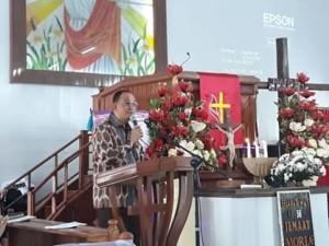 Bupati Roring Hadiri Ibadah Kenaikan Yesus Kristus di GMIM Moria Sasaran.
