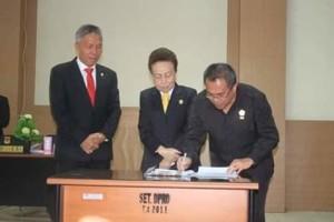 DPRD Minsel Laksanakan Rapat Paripurna Dengan Tiga Agenda4