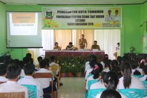 Wali Kota Tomohon diwakili Asisten Kesejahteraan Rakyat membuka kegiatan