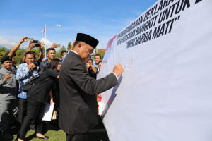 Irup Harkitnas ke-111, Gubernur Olly: Sumpah Palapa Embrio bagi Janin Persatuan Indonesia