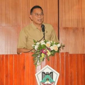 Wali Kota Tomohon Jimmy F Eman SE Ak CA saat memberikan penjelasan