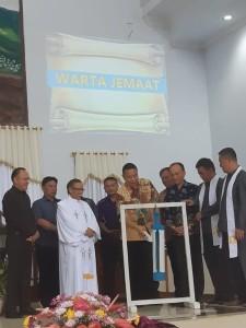 Wali Kota Tomohon Jimmy F Eman SE Ak CA membuka rangkian kegiatan Hapsa P/KB Wilayah Tomohon Satu