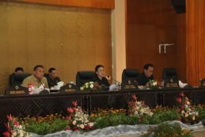 Ketua DPRD Tomohon Ir Miky JL Wenur MAP memimpin Rapat Paripurna