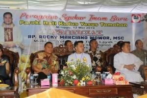 Wali Kota Tomohon menghadiri Misa Pertama Imam Baru Pastor Rocky Wowor