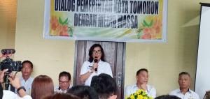 Kadis Pariwisata Masna Pioh SSos pada Dialog Pemkot Tomohon dengan wartawan