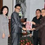 Bupati Minahasa Sampaikan Ranperda Pertanggungjawaban APBD 2018