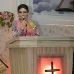 Ibadah di GPDI Melkisedek Tokin, Bupati CEP: Berdoa Lepaskan Perbedaan