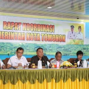 Rapat Koordinasi Pemkot Tomohon