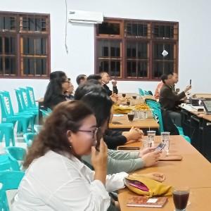 Pengurus LPM Kota Tomohon dan kecamatan yang ikut rapat