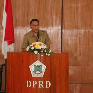 Wali Kota Tomohon Jimmy F Eman SE Ak menjelaskan Laporan Pertanggungjawaban Pelaksanaan APBD 2018 kepada DPRD