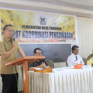 Wali Kota Tomohon Jimmy F Eman SE Ak   pada Rakor Pengawasan