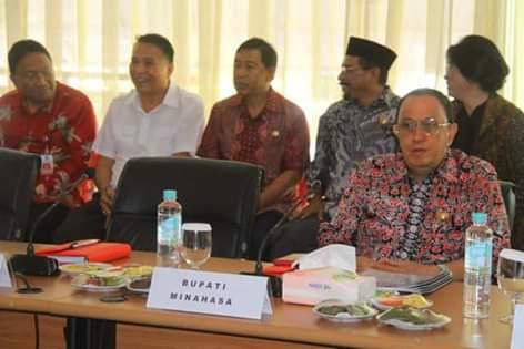 Bahas Sejumlah Proyek di Minahasa. Bupati ROR Rapat Bersama Presiden Jokowi.