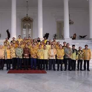 Dampingi Ketum Airlangga Hartarto, CEP dan Ketua DPD 1 PG se-Indonesia Bertemu Presiden Jokowidodo