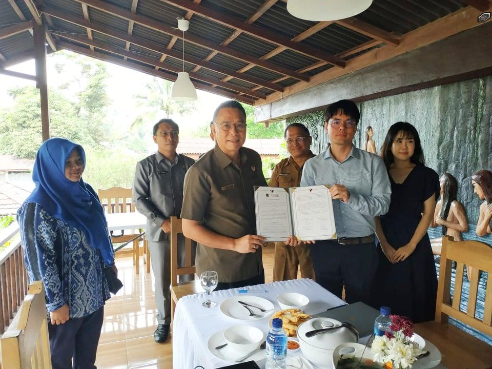 Wali Kota Tomohon bersama jajaran bersama perwakilan GIFF