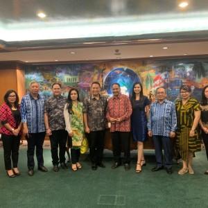 Wali Kota Tomohon, Menteri Pariwisata, Ketua Umum Panitia TIFF, Kadis Pariwisata Tomohon dan pihak terkait lainnya
