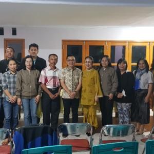 Rapat di kediaman Ketua Panitia Bulan Peduli Anak GMIM