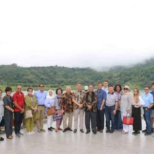 Pemkot Tomohon menjamu eombongan Diplomatic Tour 10 negara di Grand Linow