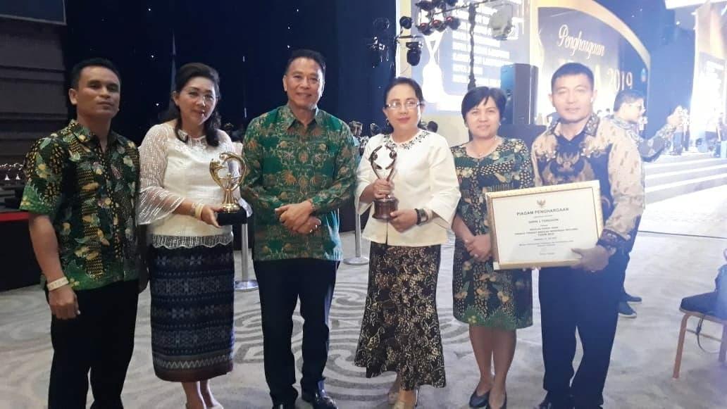 Wali Kota Tomohon Jimmy F Eman SE Ak didampingi Kadis pendidikan dan kebudayaan, kadis Pemberdayaan Perempuan dan perlindungan Aank, Kepala SMPN 1 Tomohon dan staf