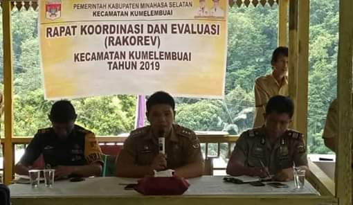 Menyatu Dengan Alam, Kecamatan Kumelembuai Rakorev Bulan Juli 2019 di Areal Perkebunan