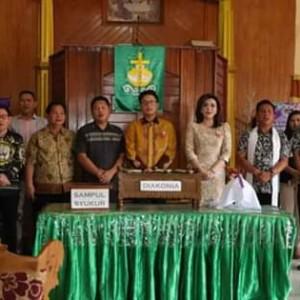 Pengucapan Syukur, Bupati Minsel Hadiri Ibadah di GMIM Efrata Pinamorongan dan Gelar Open House2