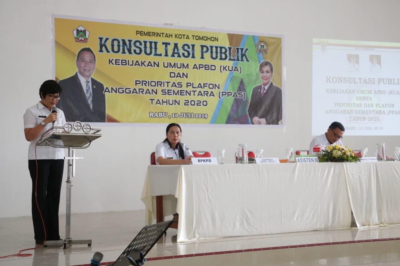 Asisten Administreasi Umum Drs Lilly E Solang MM membuka kegiatan