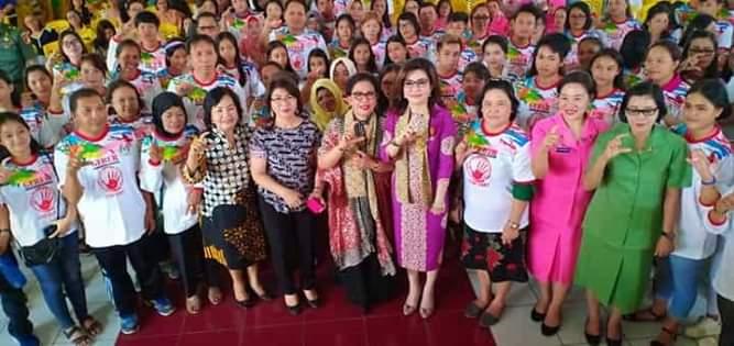 Foto bersama Bupati CEP usai membuka sosialisasi GSL dan KDRT dan Anak (foto: Ist)