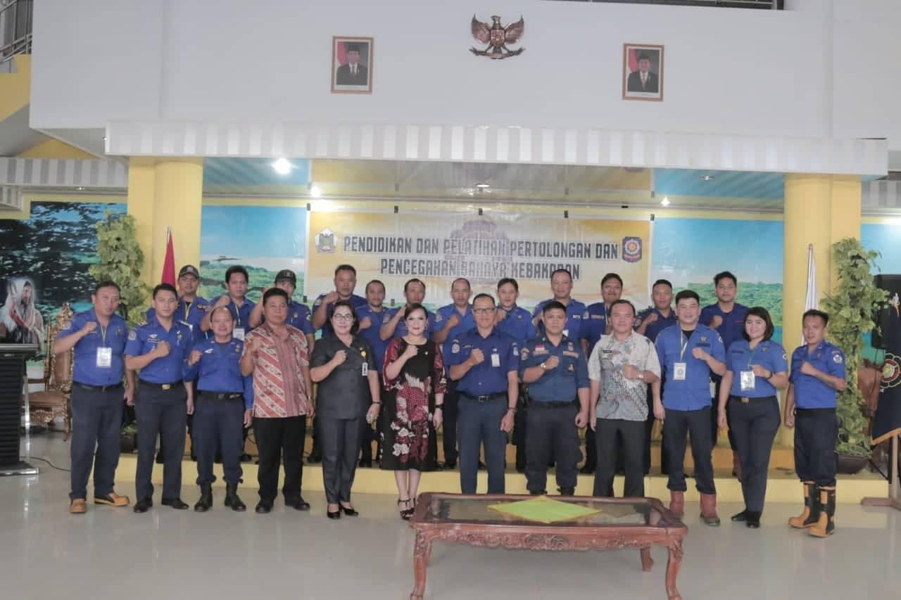 Wakil Waki Kota, Kasat Pol PP, narasumber serta jajaran satpol PP Tomohon