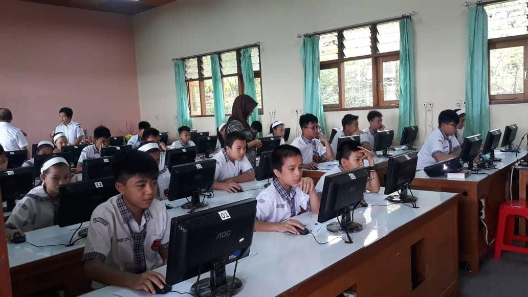 Siswa-siswa peserta AKSI di SMP Katolik Frater Don Bosco