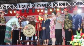 Bupati CEP Hadiri Pembukaan Festival Danau Poso