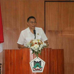 Wali Kota Tomohon memberikan penjelasan